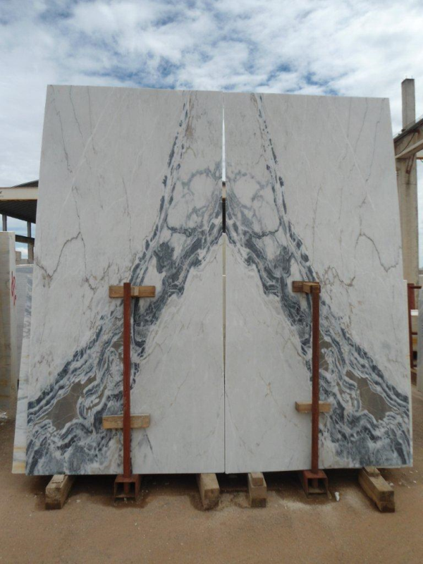 Bookmatched slabs of Rosa Aurora Azul Portuguese Marble