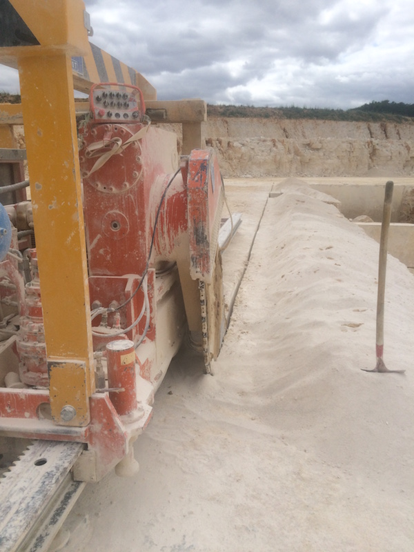 ampilly french limestone quarry block cutter1