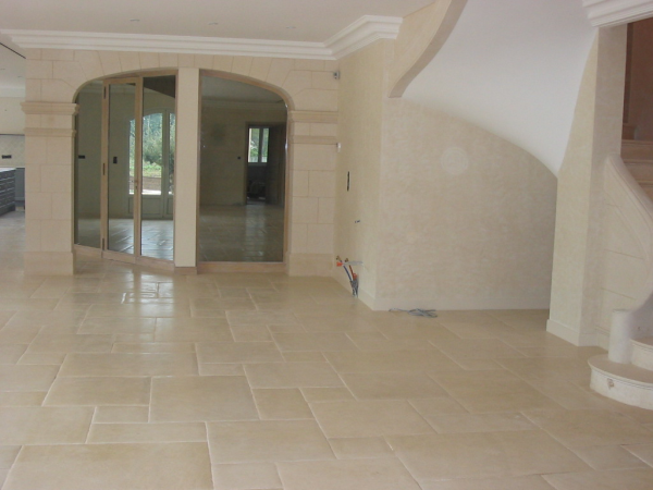 French limestone Roche de Clermont Abbaye hand finished