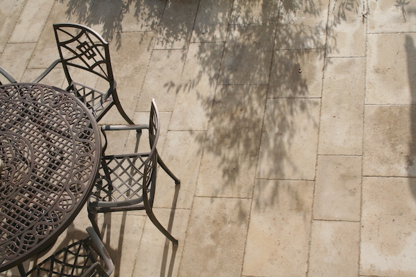 Random length sizes - Ampilly French limestone on a patio