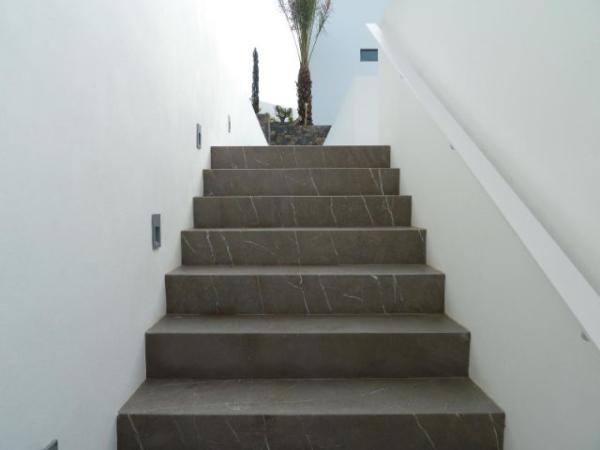 Grey venezia staircase resized 600