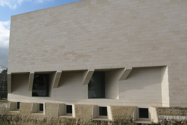 French limestone Magny Le Louvre for facade cladding at the Mudam Museum Luxembourg