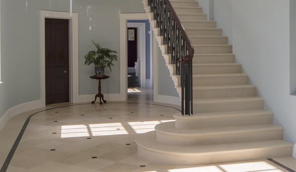 French limestone flooring and staircase - Massangis