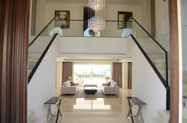 Crema Marfil alternative - Crema Zamora limestone flooring and stairs