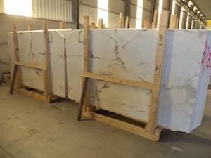 Portuguese marble: Rosa Aurora Claro marble slabs